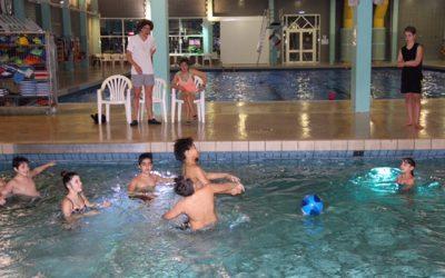 Frankfurter Kids auf Schwimmkurs