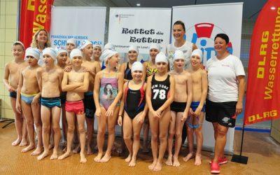 """Van Almsick bringt """"Kids auf Schwimmkurs"""""""