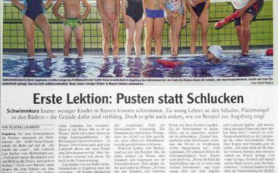 Augsburger Kids auf Schwimmkurs